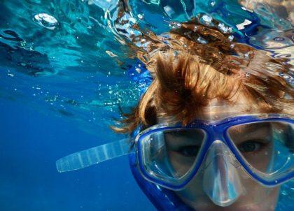 swimming-713534_1920