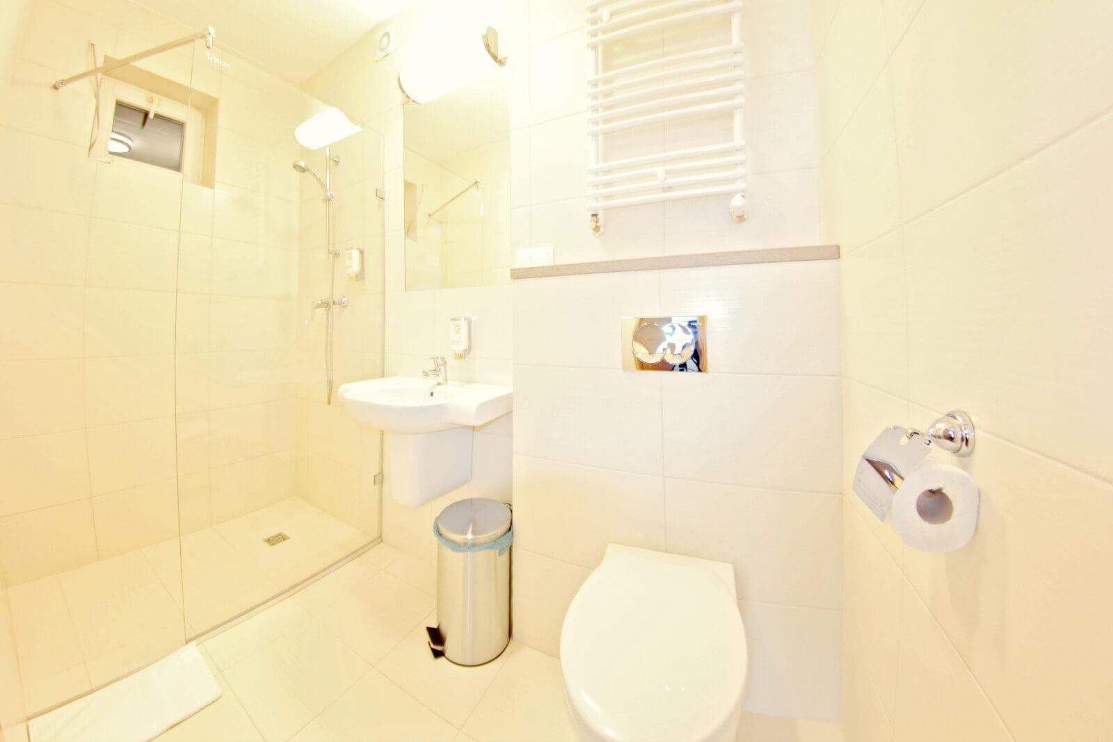 łazienka w pensjonacie