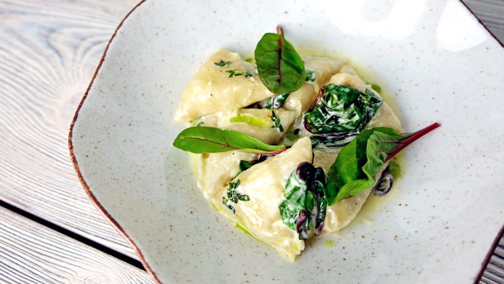 Restauracja Kobaltowa w Hotelu Tristan poleca pierogi z Kozim serem