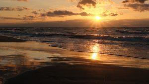 Zachód słońca na morzem