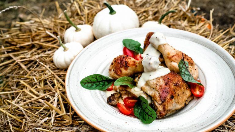 Kurczak kukurydziany w sosie śmietanowym z tymiankiem i musztardą francuską